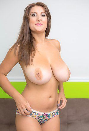 Detector reccomend Free busty milf pic gallery