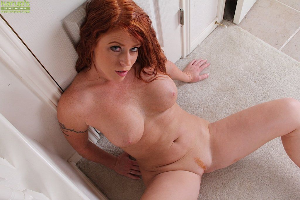 Completely free beautiful nude redhead women porn galleries