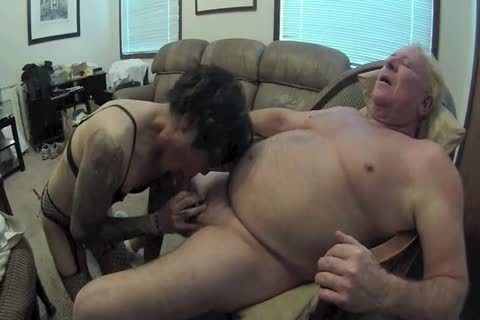 Twink whore suck cock and crempie