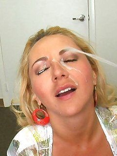 Halfback reccomend wifes girls blowjob dick load cumm on face