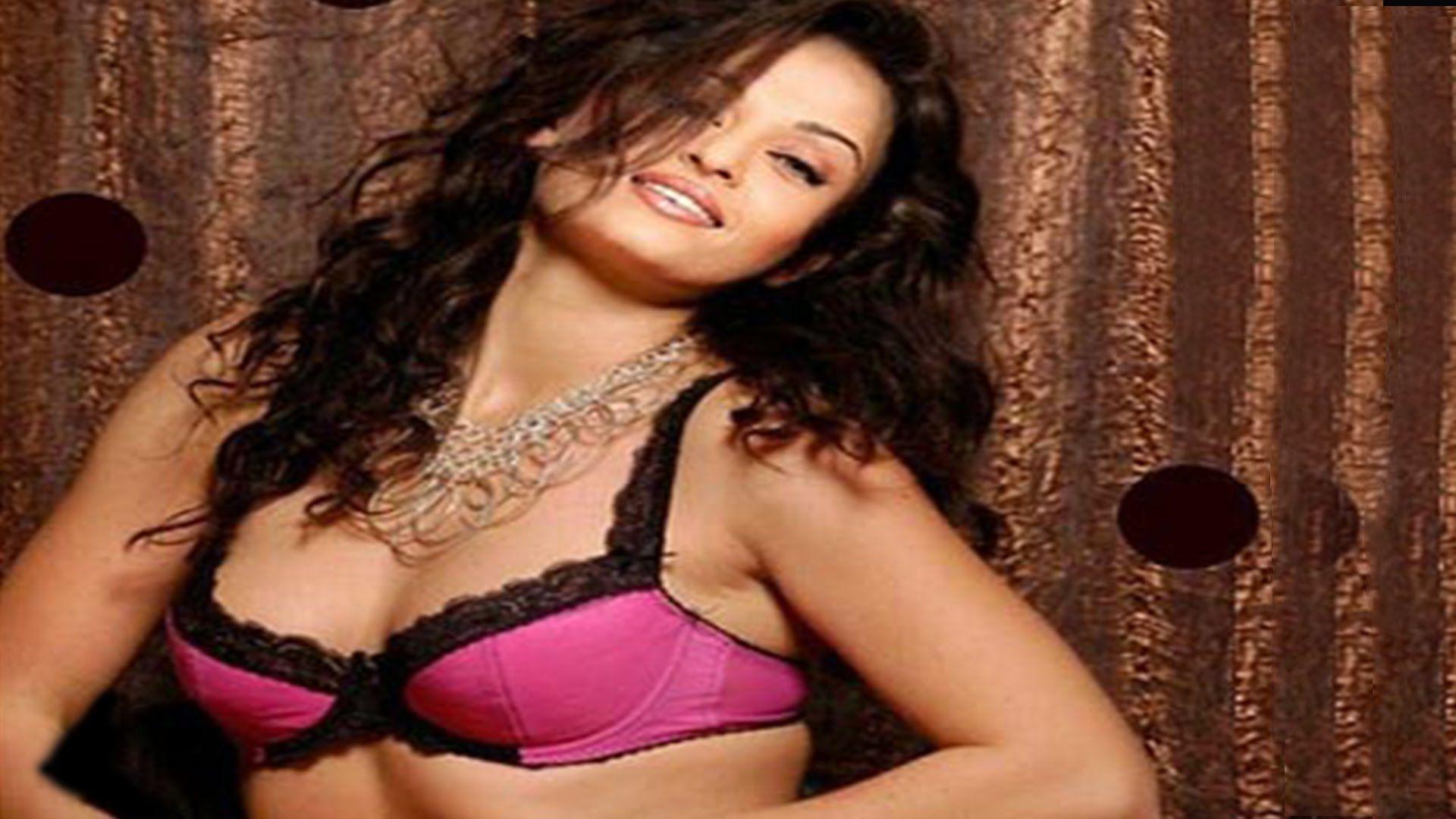 Dragonfly reccomend Aishwarya rai sexy porno
