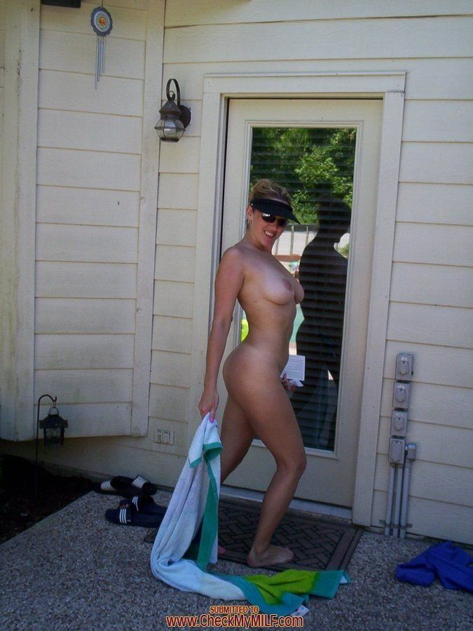 best of Posing naked Sexy mature amateur