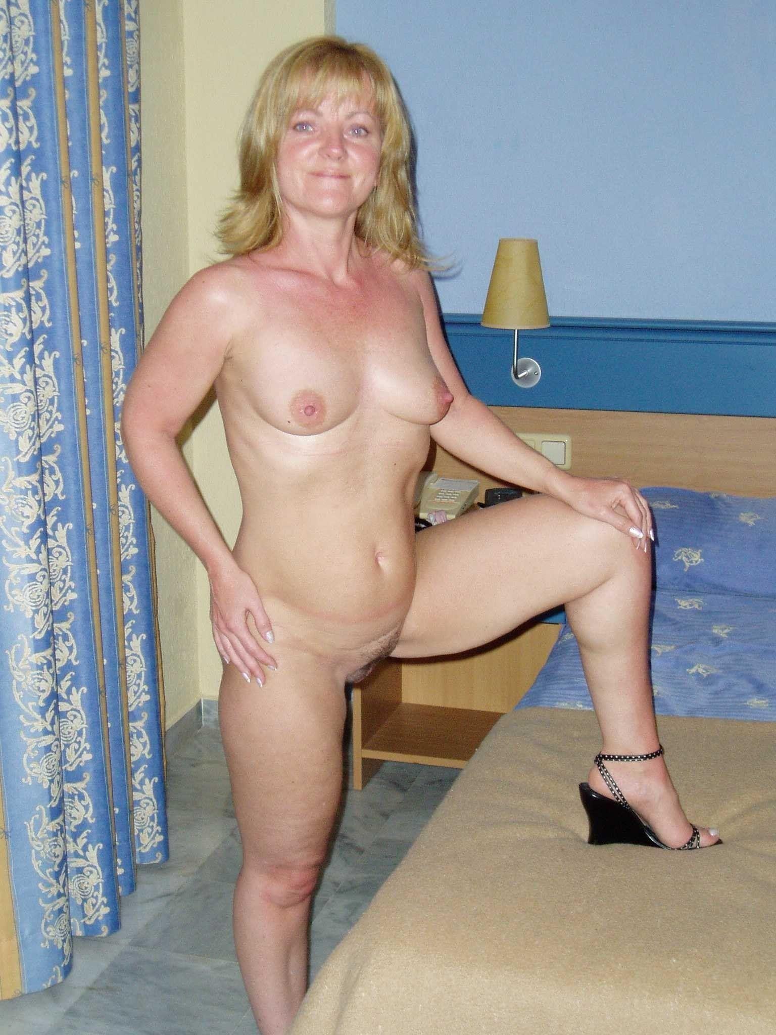 Amateur Porn Housewife porn amateur housewife. quality porn free image.