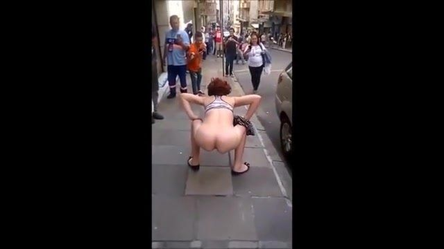 Girls dancing nude public