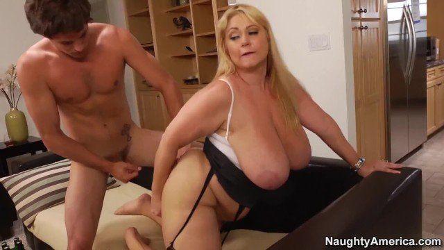 Slim mature fuck one guys her ass hole